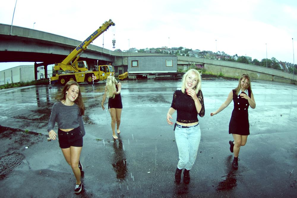 """Stavangerbandet Frk Fryd (hvor fire av fire medlemmer også har valgt å knyttet seg til TONO) ble tildelt """"Unge talenter""""-stipend i 2013."""