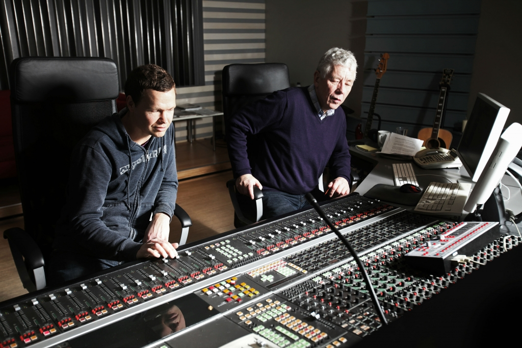 """Magnus Beite, TONO-medlem siden 1993, er en av landets """"hotteste"""" filmkomponister. Her med Jan Erik Kongshaug i Rainbow."""