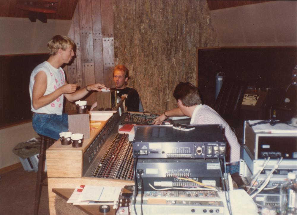 Teigen og Falsk studio
