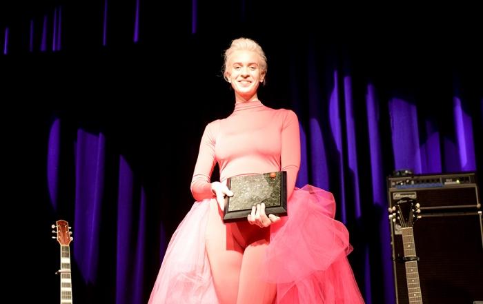 EDVARD-prisen til Thea Hjelmeland